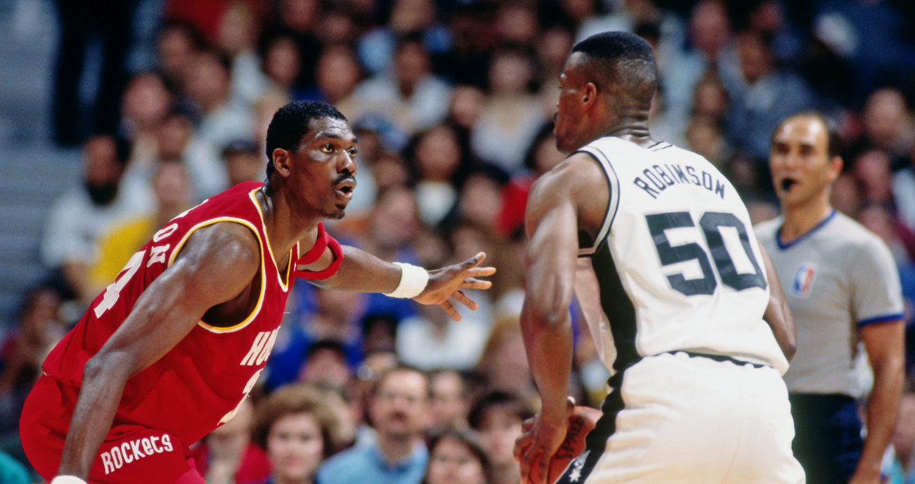 Ranking the 25 Greatest Centers in NBA History – Page 16 ...